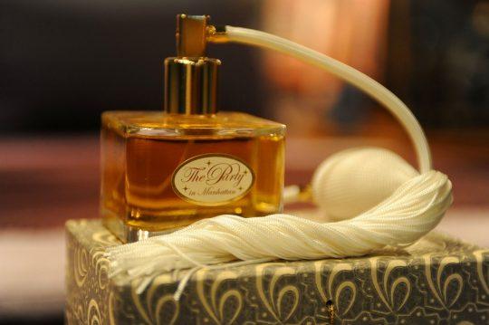 Parfum kot modni dodatek